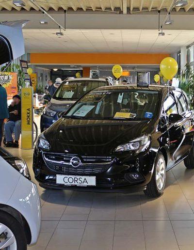 Jedes Jahr im Januar findet das beliebte Opel-Angrillen statt