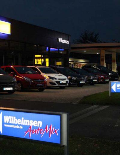 Wilhelmsen AutoMix bei Nacht