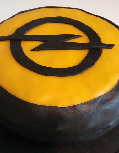 Opel-Torte – ein Danke von zufriedenen Kunden