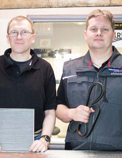Unser Lageristen-Team Helge Tüchsen und Jan Petersen